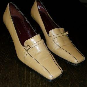 Vintsge Leather Camel Heels - 7.5